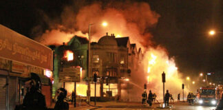 london-riots-fire
